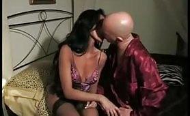 La sexy fiorentina Stefania Canali in scena porno incestuosa Sognando la zia