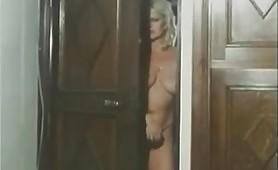 Scena porno vintage ripresa dal film Supermaschio per mogli viziose