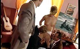 Judith Bella calda pornostar ungherese gode in orgia porno