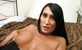 Un bel video porno italiano con la sexy Angela Gritti