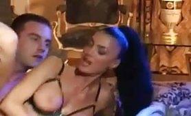 Arrapante scena porno italiano con la sexy Venere Bianca