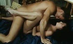 La bella moglie troia fotte con il maggiordomo cazzone