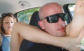 Porno soffocamento in auto per figa dominante